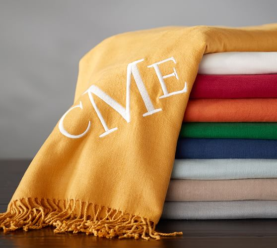 monogrammable-throw-c